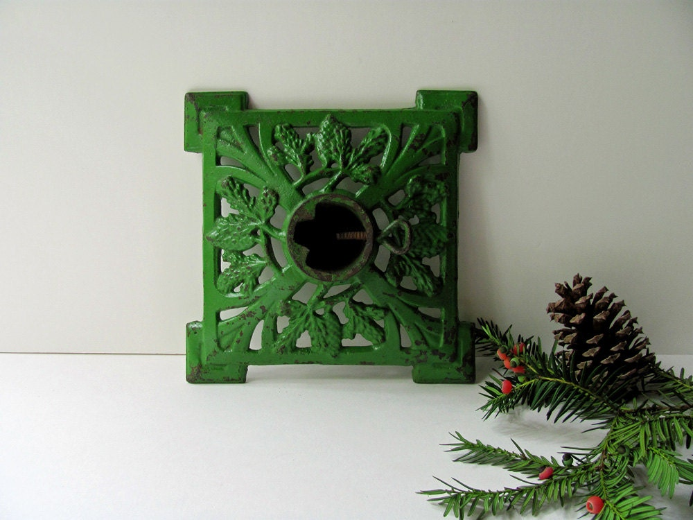 Vintage christmas tree stand cast iron ornate table top tree for Christmas tree holder