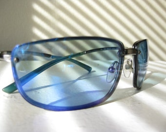 1990s Vintage Gucci Blue Modern Glam Sunglasses