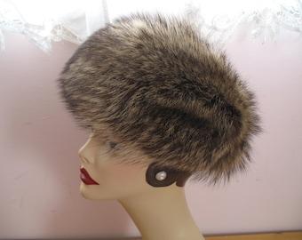 1970's Raccoon Fur Hat, Marche Tag