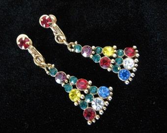 Vintage Rhinestone Christmas Tree Earrings - Patent 3,176,475