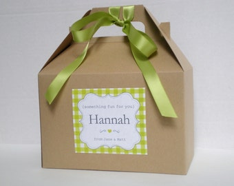 Personalized Kids wedding favor box / Wedding favor / Kid wedding activity box / Gingham label