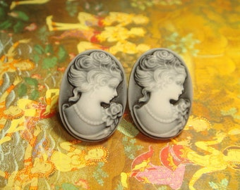 Vintage Style Gray Cameo Lady Stud/Post Earrings (E586)