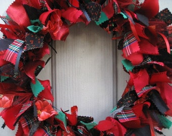 Christmas Wreath, Rag Wreath, Ribbon Wreaths, Fabric Wreaths, Door Wreaths, Winter Decor, Red Green Tartan, Christmas Decor, Holiday Wreath