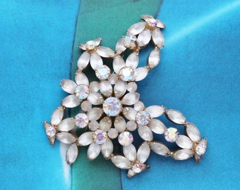 50s 60s Massive Floral Flower Cream Glamorous Brooch Pin 1960s