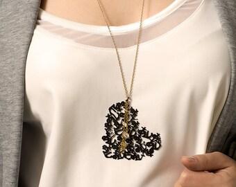 Big Heart Pendant, Big Pendant, Big Heart, Heart Pendant, Black Heart Necklace, Long heart Necklace, Long Necklace, Japanese Letter necklace