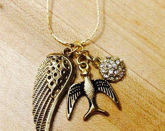 Fly away charm necklace