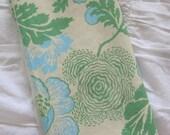 Amy Butler Midwest Modern Fabric: Fresh Poppies- Green Fat Quarter