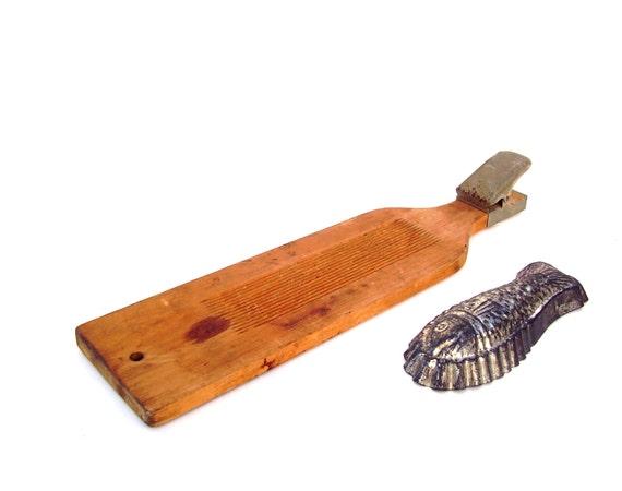 Vintage fish scaler board nautical rustic wooden fillet for Fish fillet board