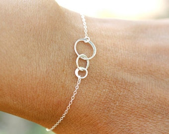 Tiny Sterling Silver Three Circle Bracelet, everyday, best friends, 3 sister bracelet