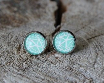 Petites merveilles triangle turquoise // Cute glass cabochon earrings (BO-868)