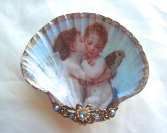 Cherubs Medium Shell Jewelry Dish