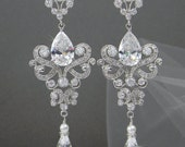 Crystal Bridal Earrings, Chandelier Wedding Earrings, Swarovski crystal Bridal Earrings, Vintage Style, Paige Earrings