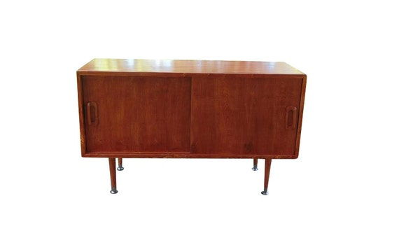 Mid Century Inspired Media Console by OrWaDesigns on Etsy