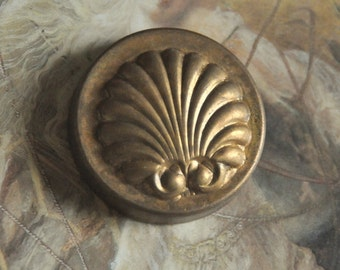 Vintage Lovely Brass Vintage Art Deco Shell Pendant Piece