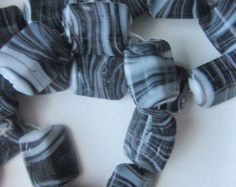 Black and White Glass Beads 15x12mm 14 Beads