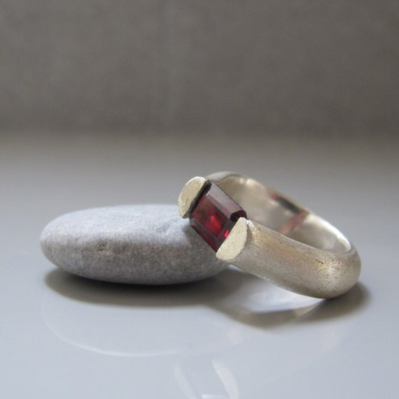 Garnet tension ring, Garnet in silver tension ring, Emerald cut garnet ring, January birthstone, Marsala