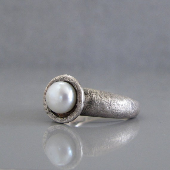 Silver pearl ring, White pearl ring, Genuine pearl ring, Freshwater pearl ring