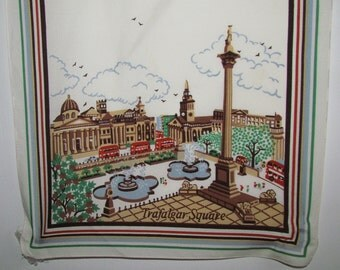 "Vintage SOUVENIR SCARF ""Trafalgar Square "" LONDON, England Cream & Brown 55"" x 30"" Great Conditon"