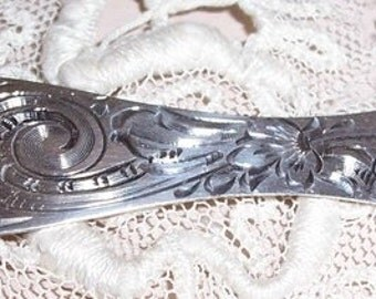 Sterling Silver Engraved Victorian Sewing Tool