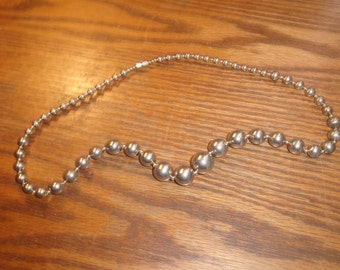 vintage necklace silver gray lucite