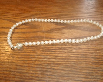 vintage necklace single strand faux pearls