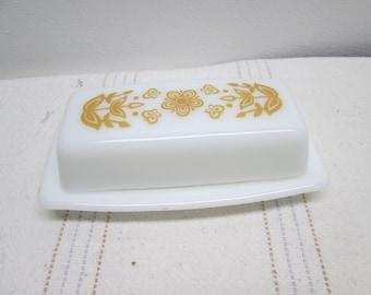 Vintage Pyrex Butter Dish, serving