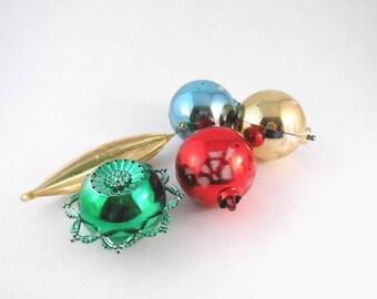 Mid Century Ornaments Plastic Set of Five