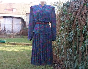 Large Pleated Dress Vintage / Size EUR 46 / 48 / UK18 / 20 /  Violet / Pink / Yellow / Green / Turquoise