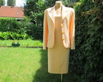 Nice Dress Suit Vintage / Two Piece Suit / EUR 42 / 44 X UK14 / 16 / Salmon / All Lining