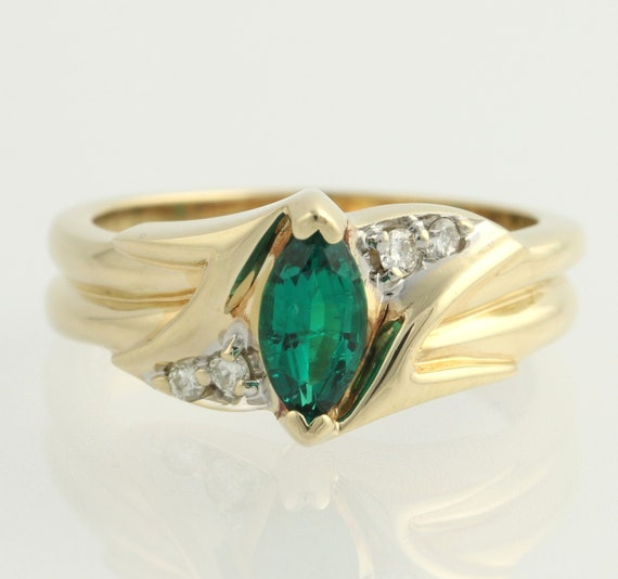 synthetic emerald and cocktail ring 10k by