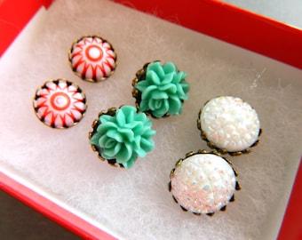 Retro Christmas Earrings, Gift Set Trio, Vintage Christmas Earrings, Red Green White, Holiday Gift, Retro Christmas, Peppermint Earrings