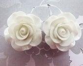 Bridal Earrings Winter White Rose Earrings Glam Wedding Jewelry Flower Studs Flower Earrings Bridesmaid Gift