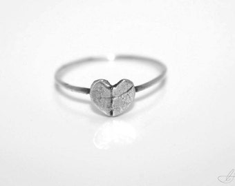 Attractive wedding rings Heart wedding ring imprint