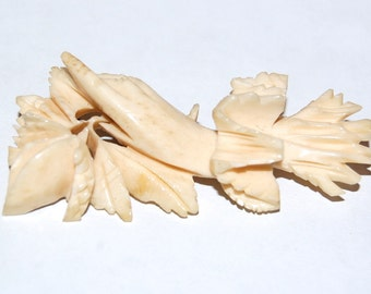 Wonderful Victorian Carved Ox Bone Sentimental Hand Brooch Holding Rose