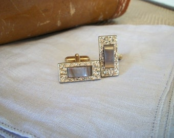 Vintage Bronze Brown Mother-of-Pearl Cuff Links in Goldtone
