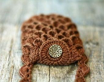Scalloped phone case Brown Black Mini purse Boho chic accessory Bohemian style Gift for her Neck strap Crossbody strap