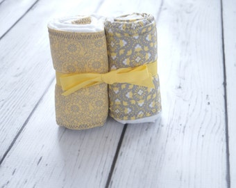 Set of 2 Burp Cloths: Yellow and Gray