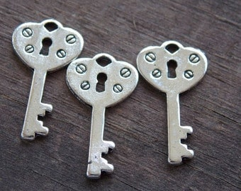 10 Silver Skeleton Key Charms with Heart Padlock 22mm