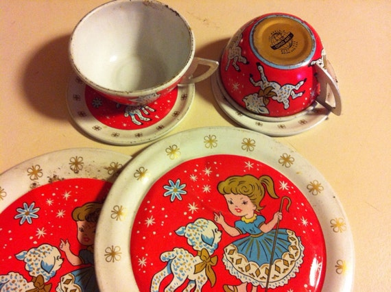Mary Had A Little Lamb Ohio Art Tin Children's dishes set