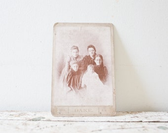 Vintage Photography - Family Portrait Family Photo Photography Black and White Old Photos Antique Photography Haunting