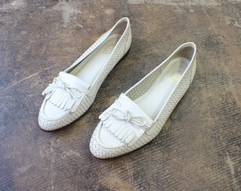 8 1/2 to 9 / Braided Leather LOAFERS / White Slip On Shoes / Women's Flats