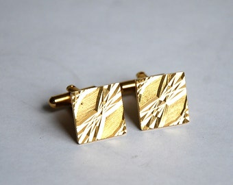 Vintage Cufflinks Gold Tone Metal Gorgeous Shape Great Condition Excellent Gift
