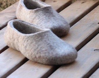 Organic wool women's felted slippers - beige and brown