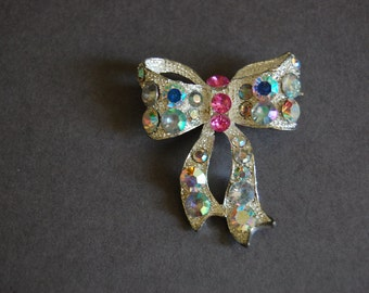 Pink Rhinestone Bow Pin