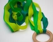 New Twirli-kidz Hand Kite/Dance Streamer, Silk waldorf toy in Great Greens