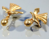 CHRISTIAN LACROIX 80s Gold Tone Cuff Links High Fashion Accessories For Her