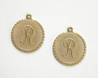 Raw Brass Letter R Charm Monogram Initial Drop 20m x 22mm - 4 pcs.  (r272)