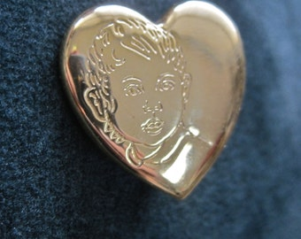 Nana Heart Brooch Little Boy Face Vintage 80s Gold Grandma Memento Signed The Variety Club