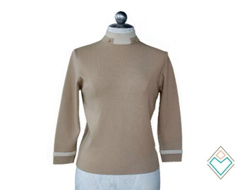1960s - early 70s mod vintage butterscotch sweater with intricate neckline and cream trim // size small // 100% wool fine knit