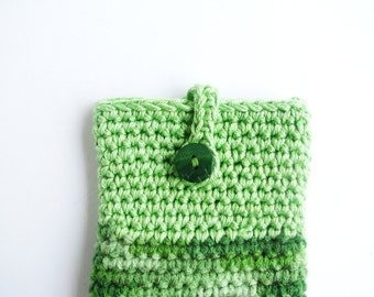 crocheted smartphone cover, cell phone case, light green, shades of green, button closure